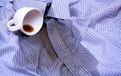 7 trucos acerca de cómo quitar manchas de la ropa
