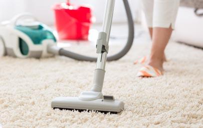 Cómo limpiar un tapete de forma eficaz