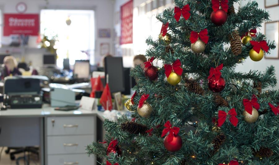 Cómo adornar una oficina para navidad, árbol de navidad