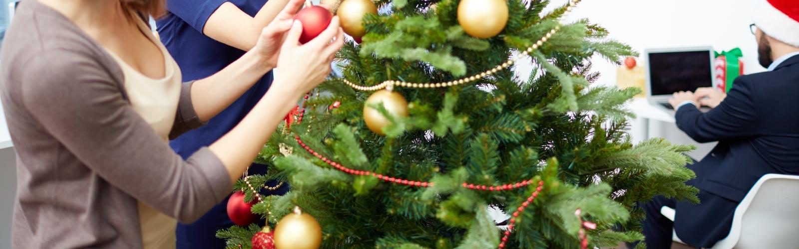 Cómo adornar una oficina para navidad
