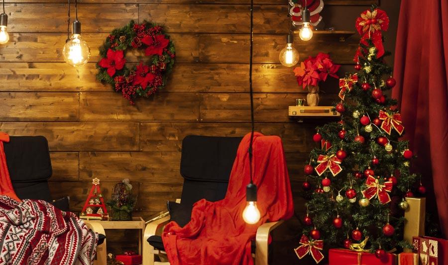 Cómo decorar un árbol de navidad - decoración árbol navideño con color rojo
