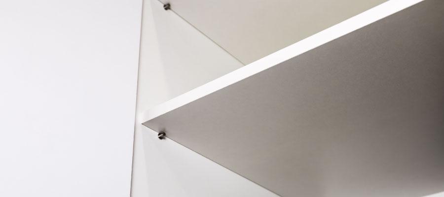 cómo hacer una cocina integral - instala la repisa en la mitad de cada espacio