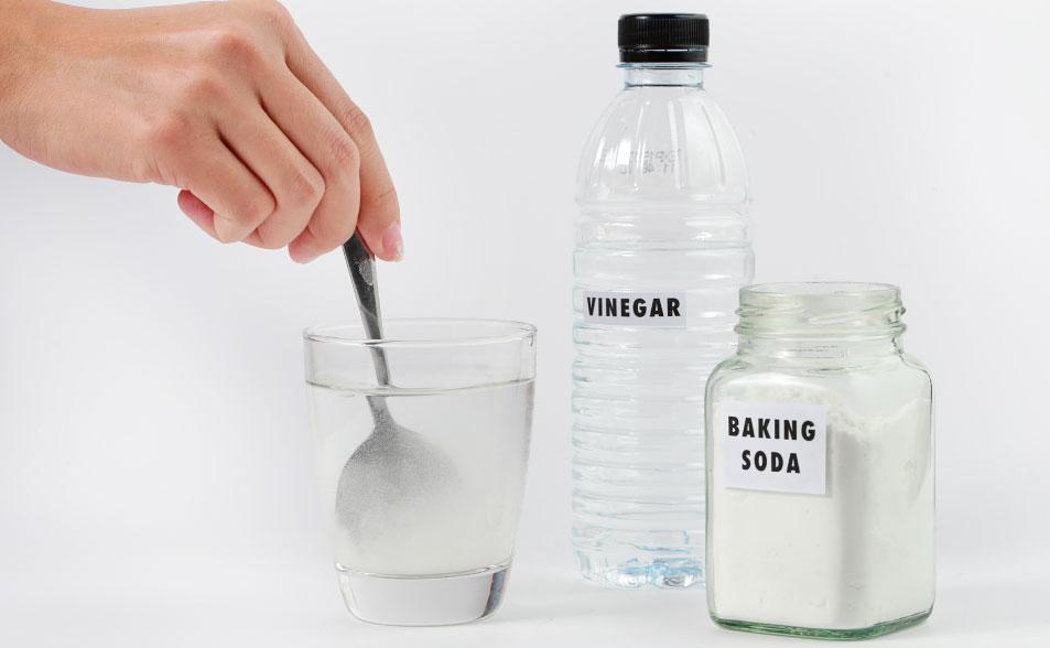 cómo quitar el moho de la ropa, cómo quitar el moho de la ropa con vinagre y bicarbonato de sodio
